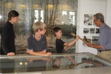 Få et kig ind i stenalderjægernes verden - Familieomvisning på Vedbækfundene i efterårsferien