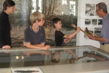 Få et kig ind i stenalderjægernes verden - Familieomvisning på Vedbækfundene