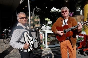 Duo Mosaik spiller på Torvepladsen